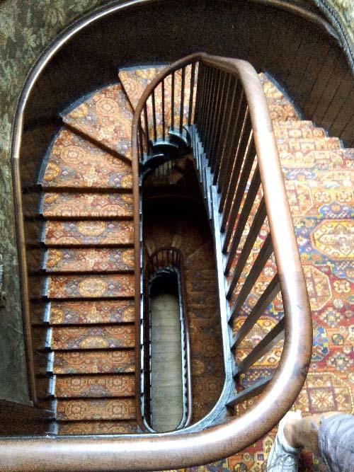g-escalier-v-hugo-blog.jpg